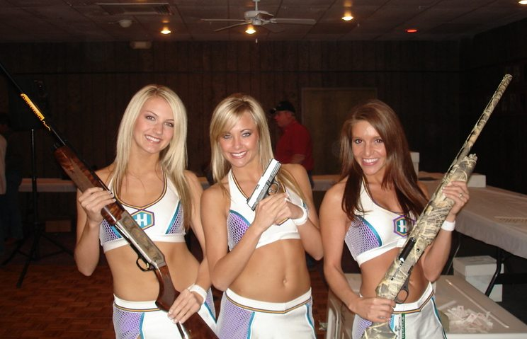 cheerleaders-sexting-naked-brothers-band-battle-of-the-band