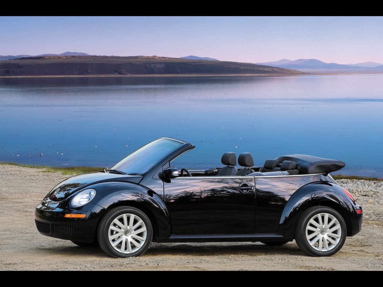 2008 volkswagen new beetle convertible driver side angle. Black Bedroom Furniture Sets. Home Design Ideas