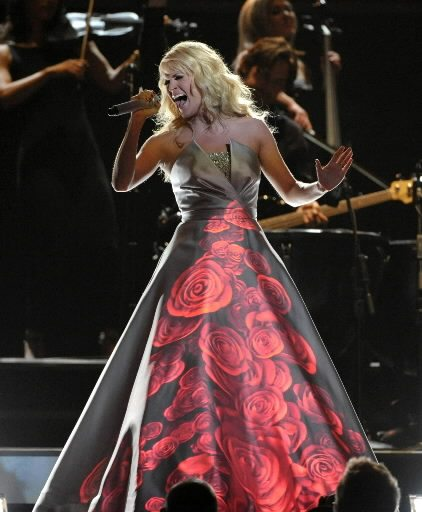 carrie-underwood-performs-grammys-2013-ap1