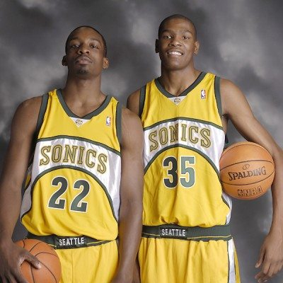 seattle_supersonics_jeff_green_and_kevin_durant_of_the_seattle_supersonics__cKhDog60.sized