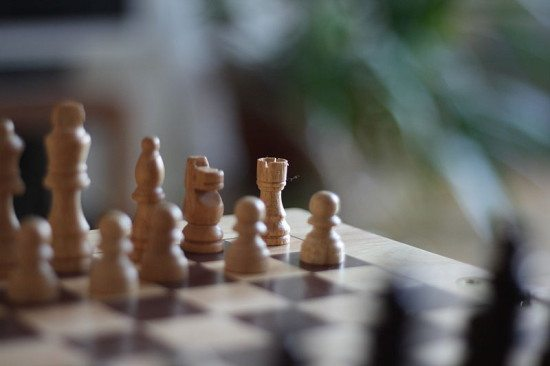 800px-Chess_board_777