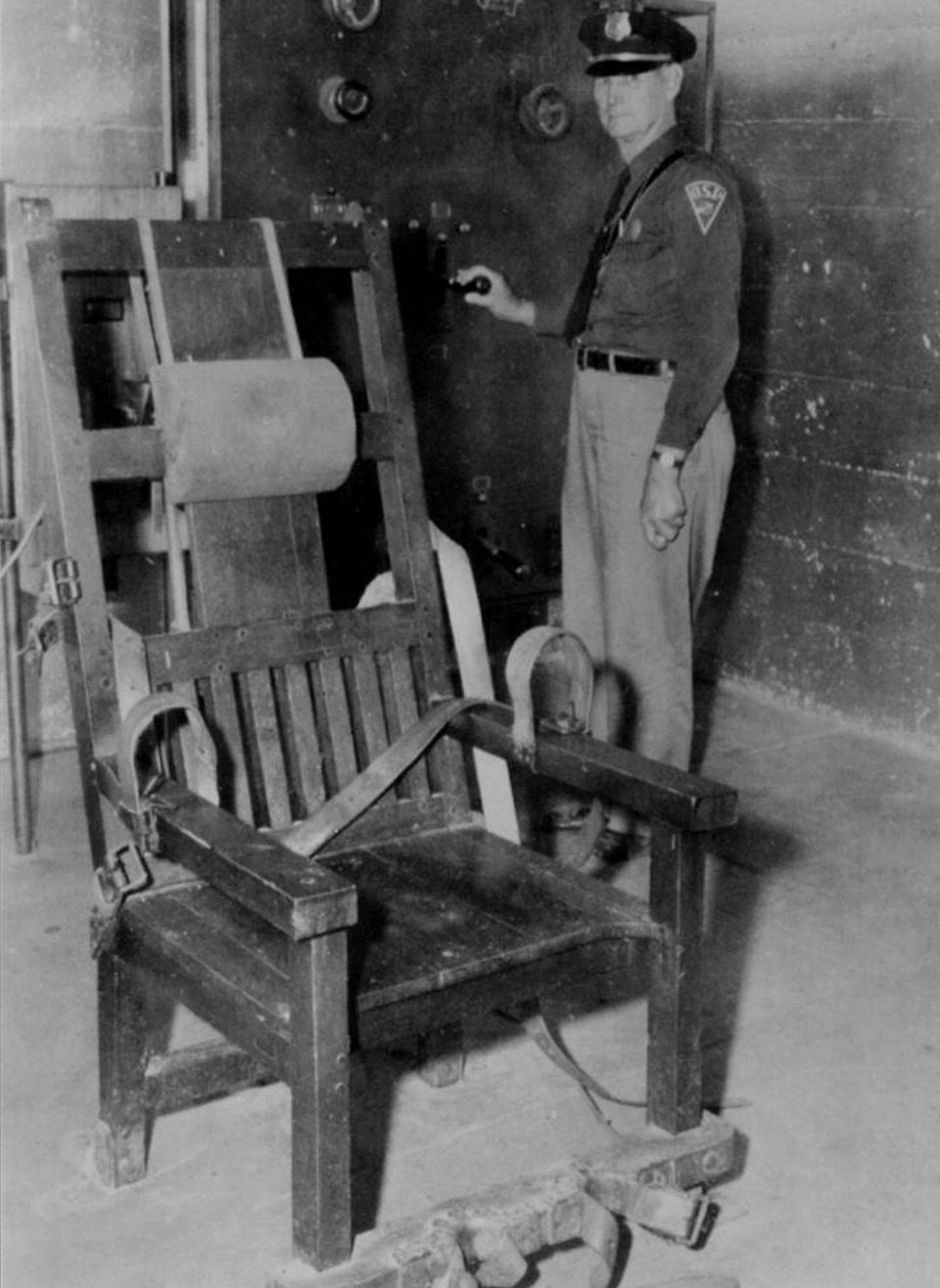 Mcalester Really Wants Its Old Electric Chair Back The