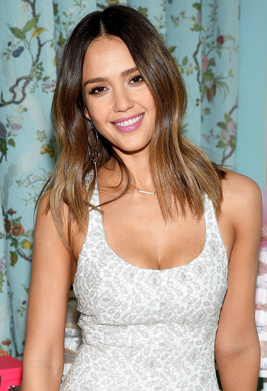 hot girl friday jessica alba the lost ogle