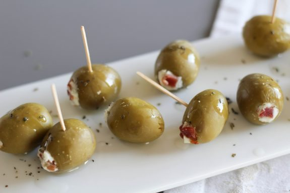 Bacon-and-Blue-Cheese-Stuffed-Olives-12