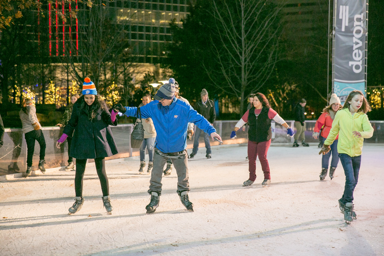 Fnitbt ice skating video games and new years eve the lost ogle devon ice rink myriad botanical gardens nov 11 jan 28 solutioingenieria Images
