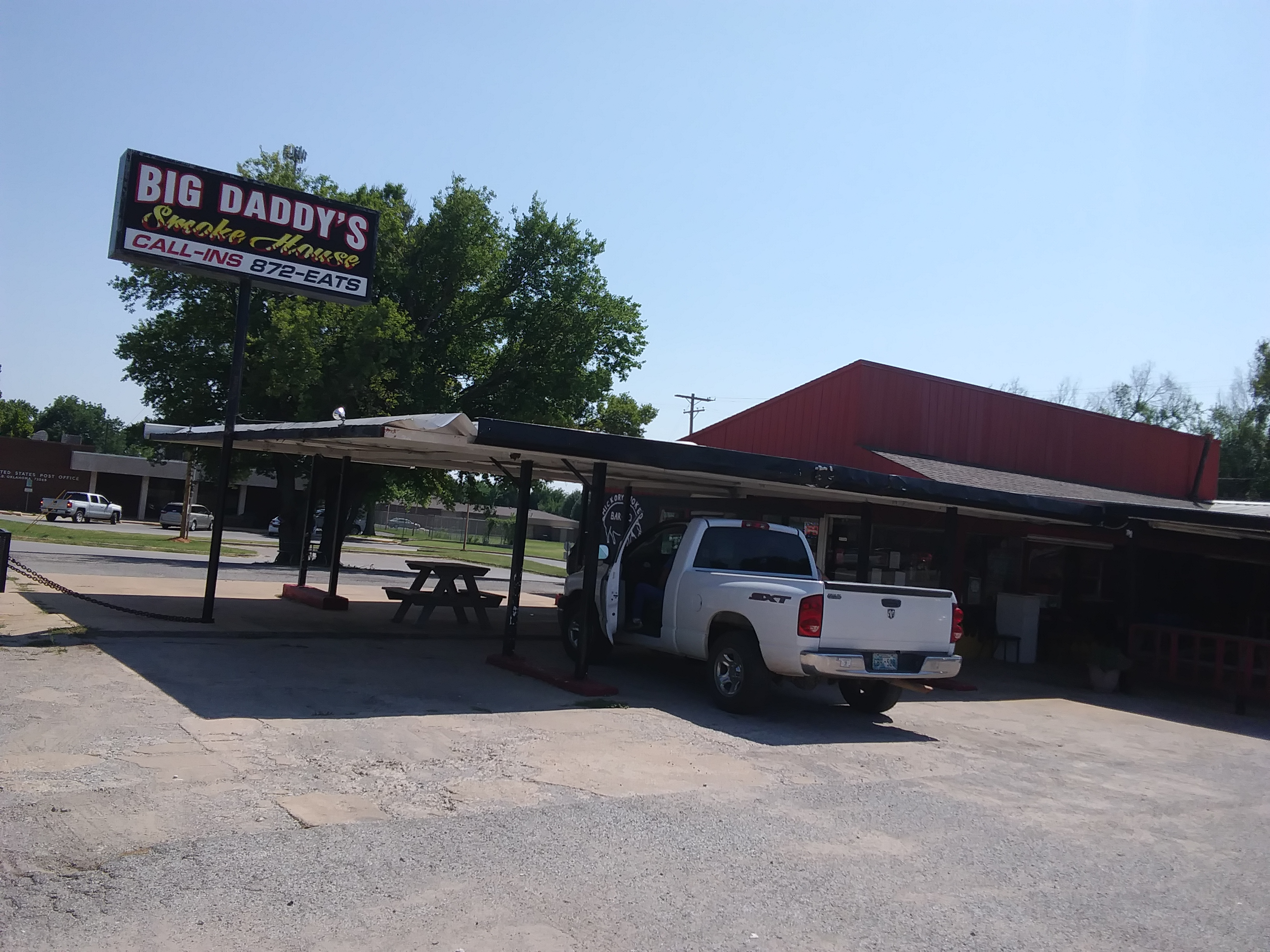 TLO Restaurant Review: Big Daddy's Smokehouse Bar-B-Que